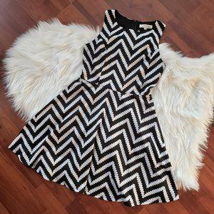 Aniina Sleeveless Chevron Pattern Dress - M